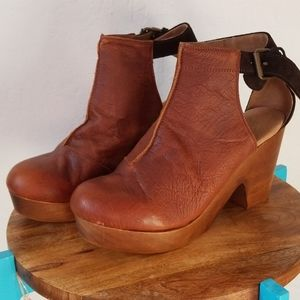 Free People Amber Orchard Clogs Size 10.5